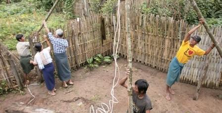 Drilling a well in Putaik Gyi