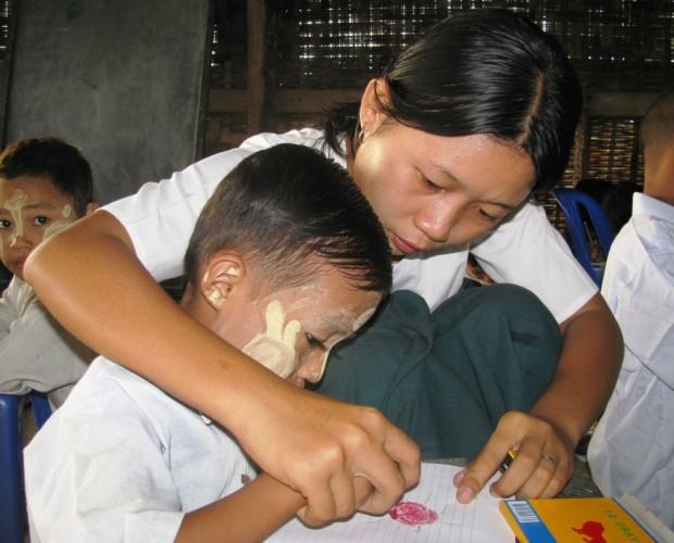 http://www.asianchildrensmission.org/wp-content/uploads/2013/07/Teacher-in-Wapugone-1024x768-620x500.jpg
